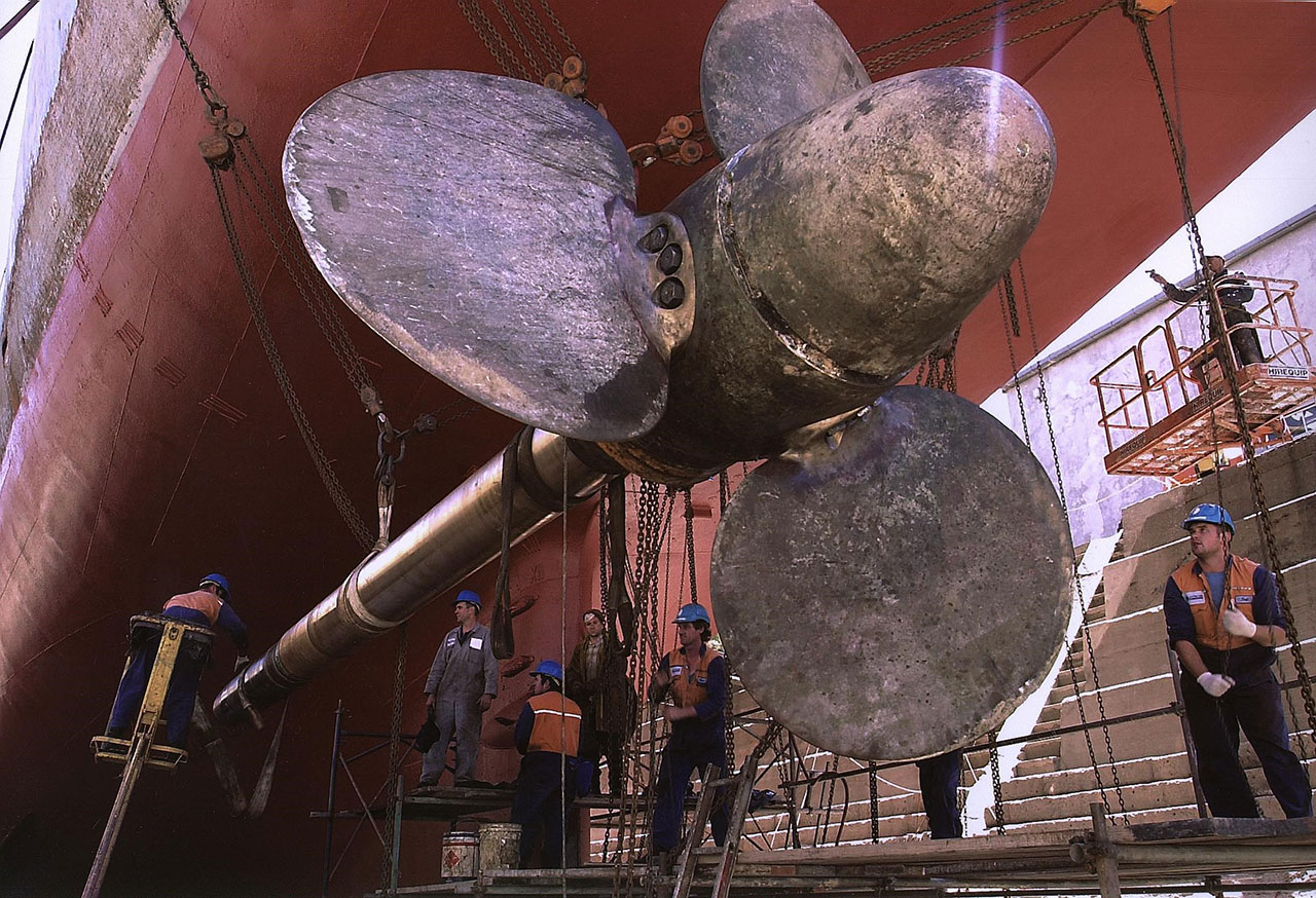 Trawler - Malakov Kurgan - prop shaft repairs