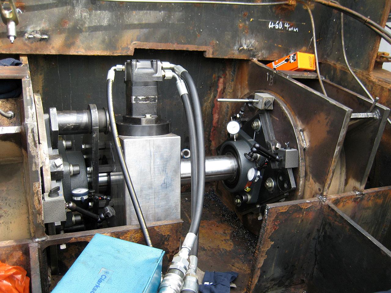 Machiavelli - Pivot bearing machining dredge